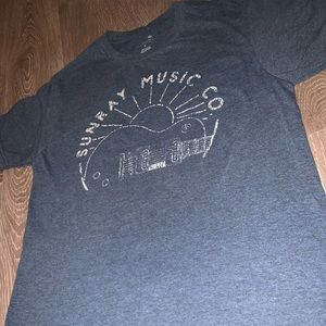 Tops - Sunray Music Co Graphic Tee